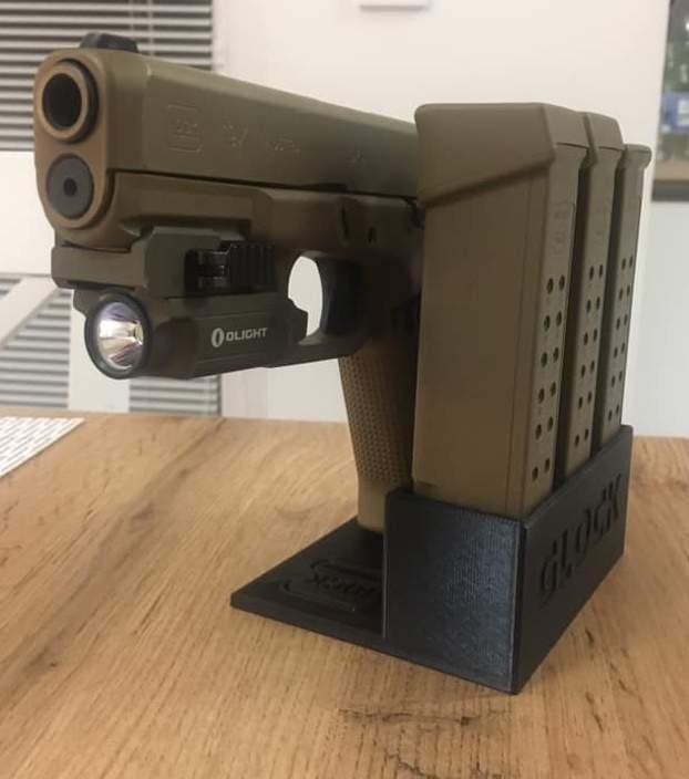 Zobrazit detail výrobku Stojánek do trezoru na Glock 19x + 3 zásobníky