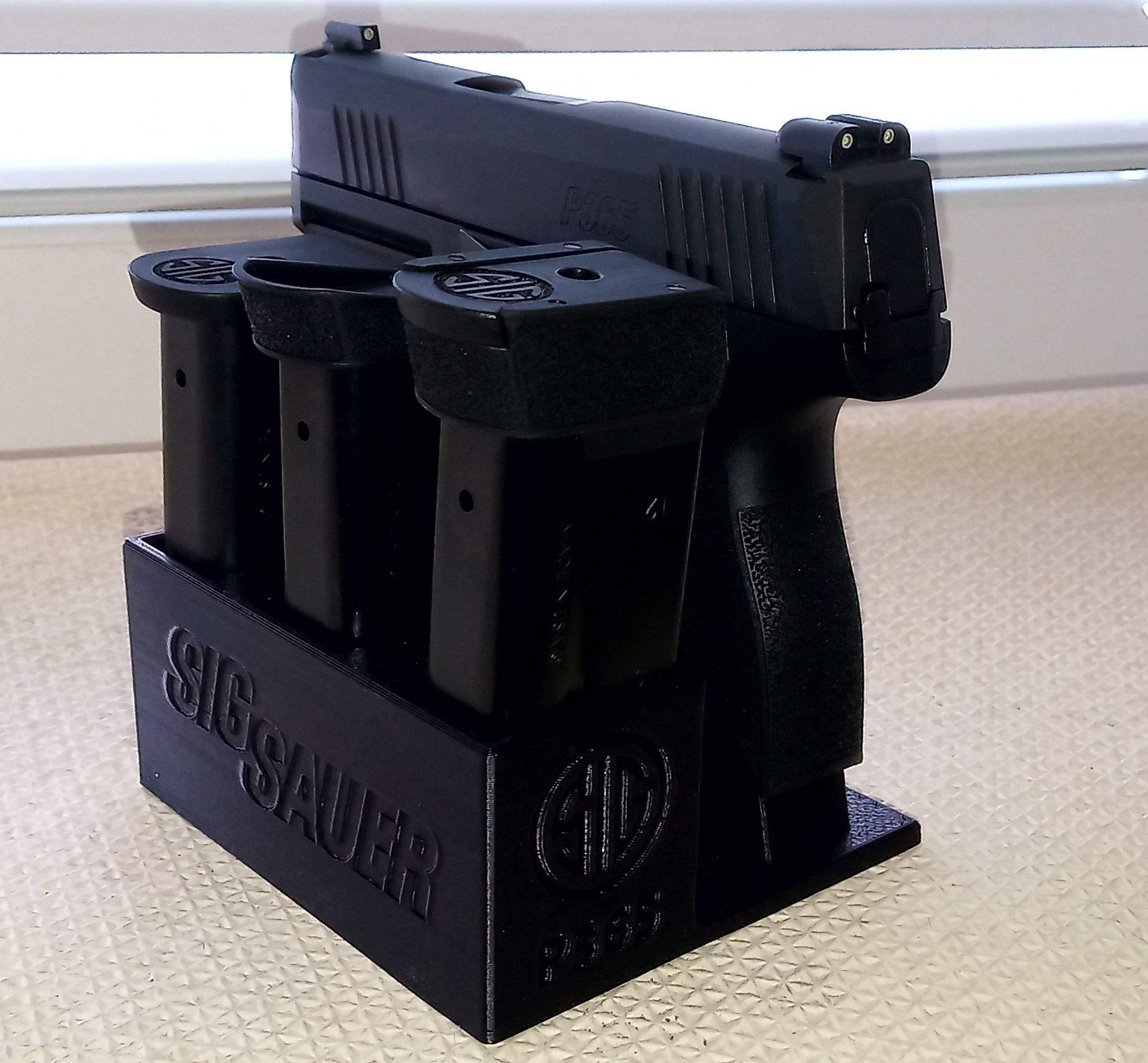 Zobrazit detail výrobku Stojánek do trezoru na Sig Sauer P365 + 3 zásobníky